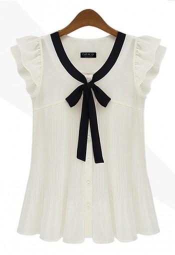 เสื้อสีขาว ไหล่ระบาย