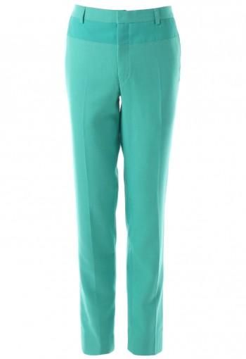 กางเกงสีเขียวตัดต่อผ้า