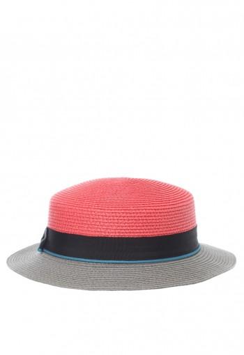 หมวกสีแดงพาสเทลตัดสีเทา