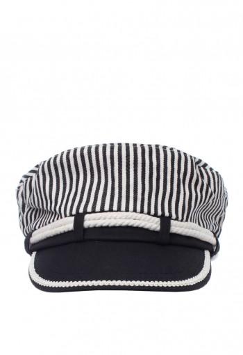 หมวกสีขาวดำลายทาง