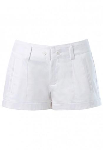 กางเกงขาสั้นสีขาว