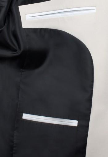 สูทสีเบจ ซับในซาตินสีดำ