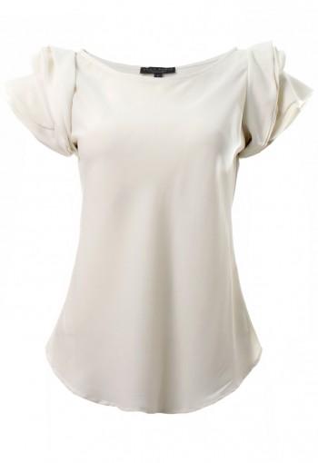 เสื้อสีขาวออฟไวท์ไหล่ระบาย