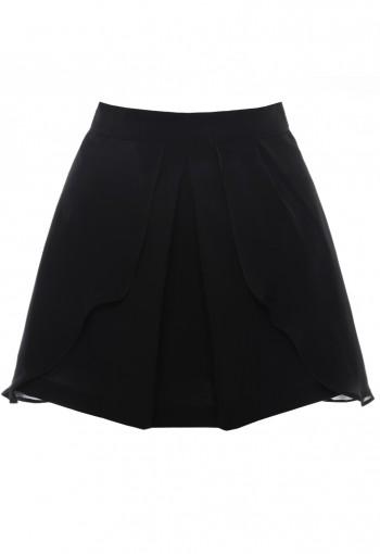 กระโปรงสีดำ ตัดต่อและซ้อนผ้า