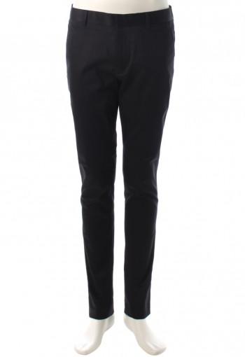 กางเกงสีดำทรงกระบอก