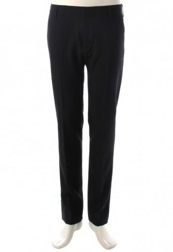 กางเกงสีดำทรงกระบอกเล็ก