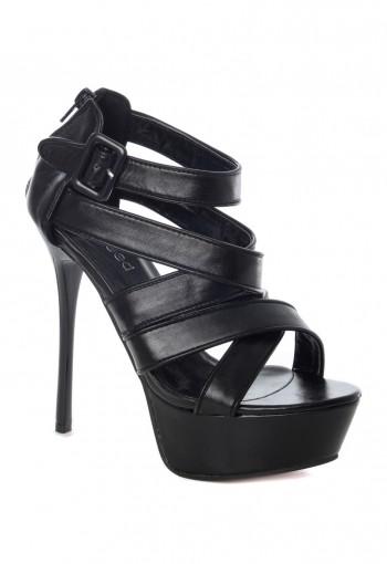 รองเท้าส้นสูงสายไขว้สีดำ