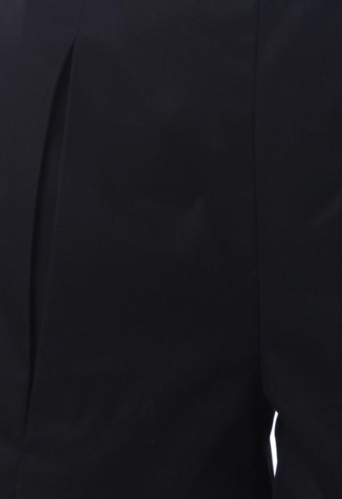 กางเกงขาสั้นสีดำ จับจีบทวิส