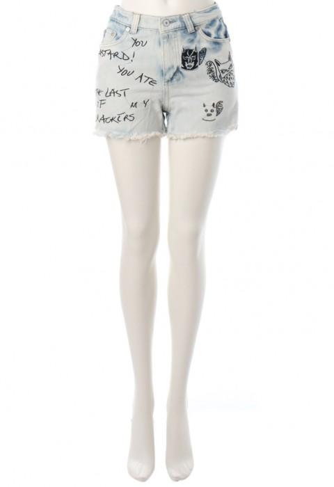 กางเกงยีนส์ขาสั้นปักลาย