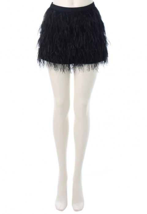 กางเกงขาสั้นสีดำขนนกกระจอกเทศ