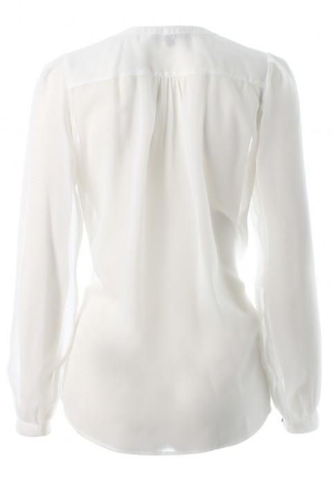 เสื้อชีีฟองสีขาวจับเกล็ดหน้า